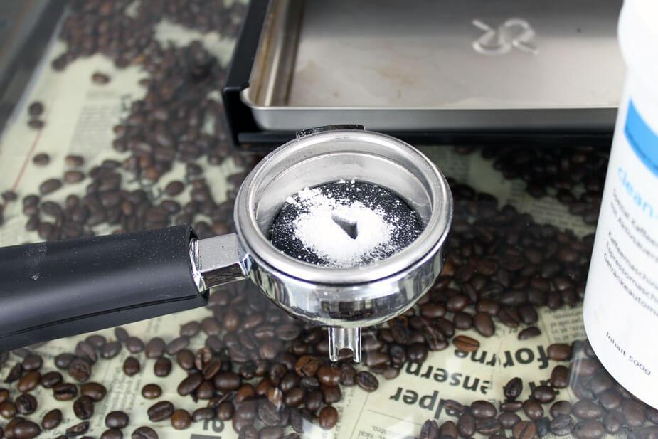 hvordan afkalker nespresso